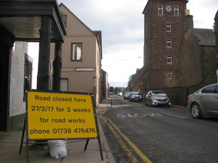 Photo of road closure notice on Queen Street